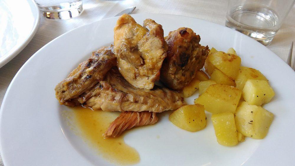 ピエモンテブラで食べた鶏のバージンオリーヴvオイルソテー、さすがスローフード本拠地の美味でした。