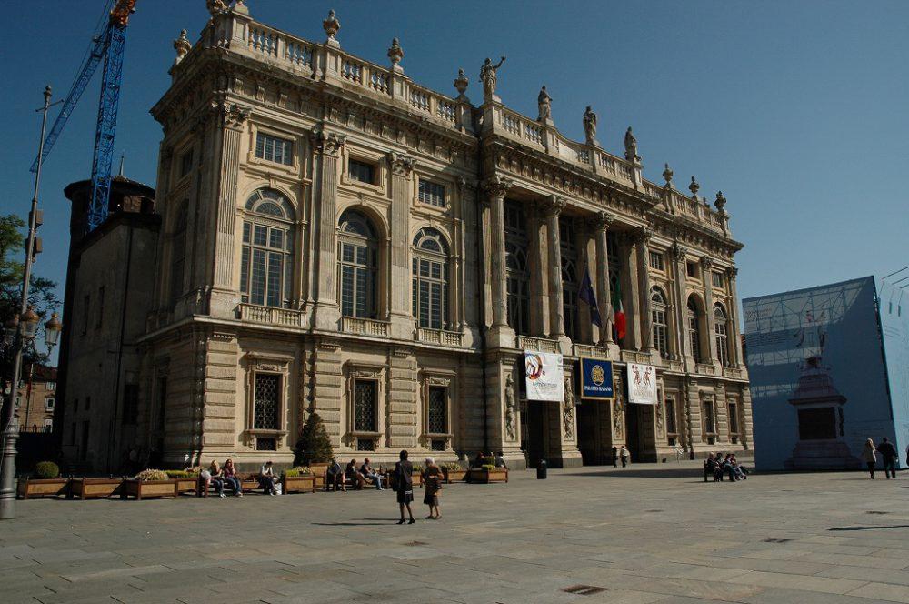 トリノ世界遺産、マダマ宮殿。古代ローマ時代の遺跡を組み込んだマダマ宮殿は13世紀には要塞として建てられ、サヴォイア家ににより豪華な正面部分が増築された。いまは古代美術館として利用されている。