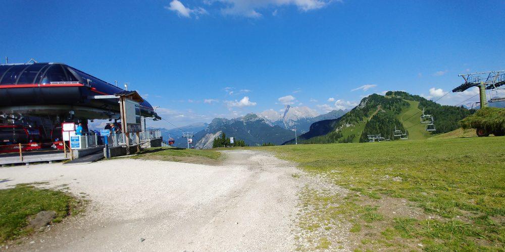ドロミテ探索隊、アッレゲからチヴェッタへトレッキング、コルデイバルディからの眺め