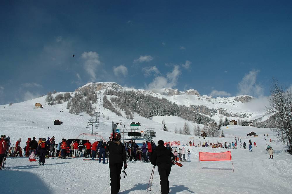 ドロミテ、アラッバからならドロミテスーパースキーが滑り放題