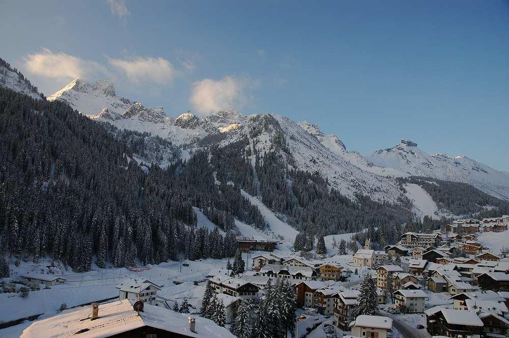 ドロミテの心臓、中枢にあるアラッバはセッラ・ロンダもマルモラーダにも直結のスキーヤー天国