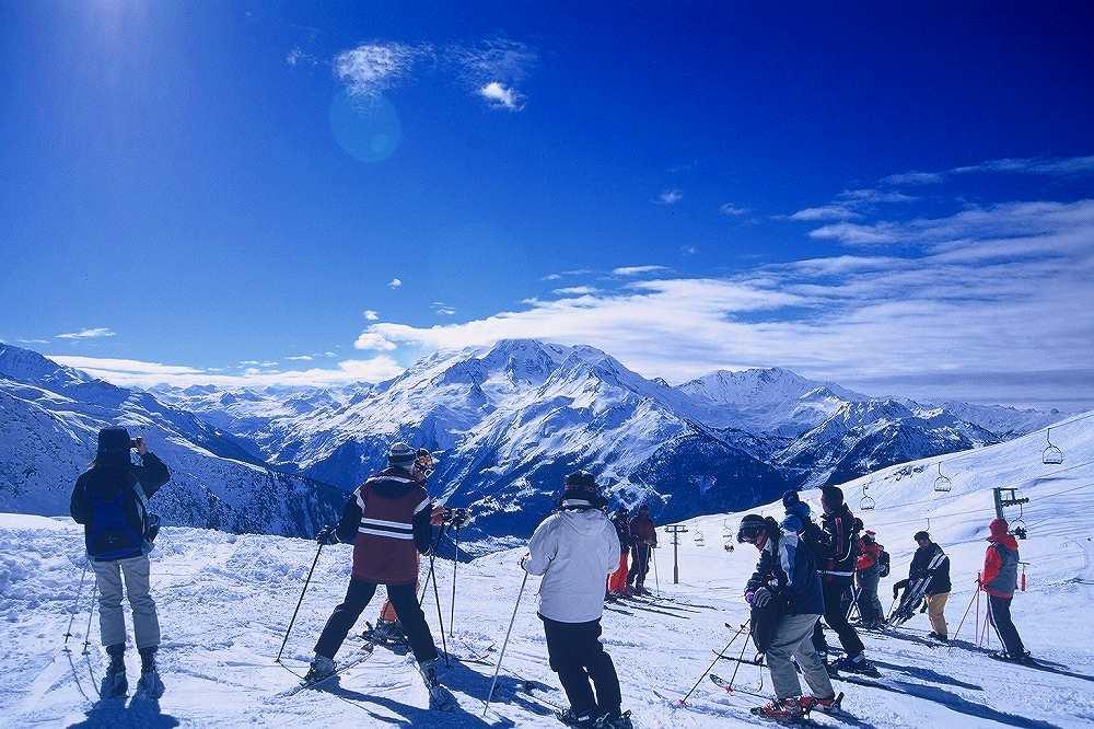 ラトゥイールからフランス側La Rosiere=ラ・ロジエーへ国境越えスキー