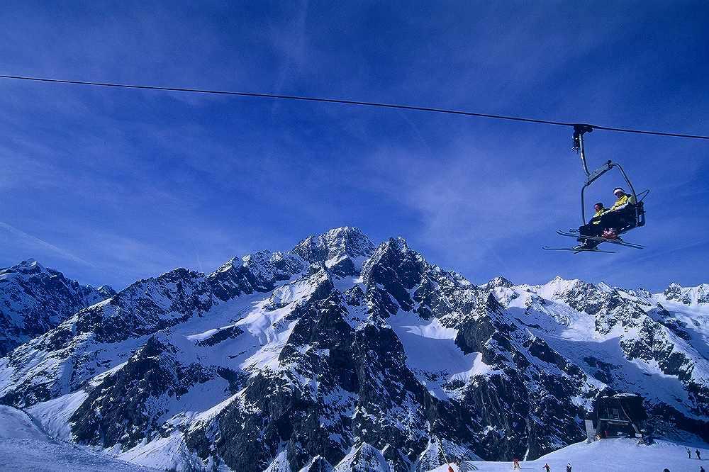 クールマイユールスキー場からのモンテビアンコ=モンブラン、ヴァッレダオスタ、イタリア