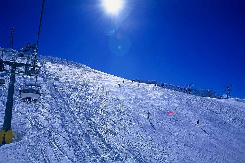 ラトゥイールからLa Rosiere=ラ・ロジエーへの国境越えスキー。ヴァッレダオスタ、イタリア